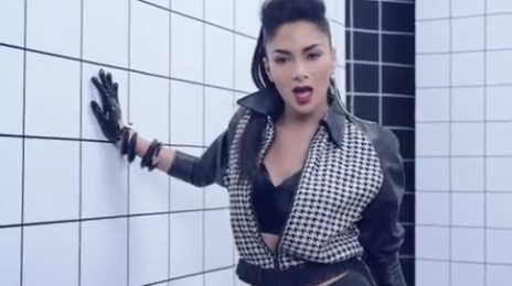 New Video: Nicole Scherzinger - 'Boomerang'