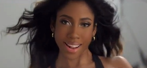 sevyn streeter Chris Brown Introduces Singer Sevyn Streeter On 106 & Park / Premieres I Like It Video