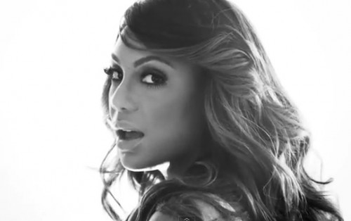 tamar braxton love war video e1358469995124 New Video: Tamar Braxton   Love & War