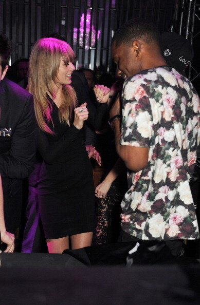 Hot Shots: Frank Ocean Celebrates BRIT Award Win With Taylor Swift