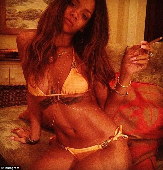 RIHANNA-THAT-GRAPE-JUICE-4