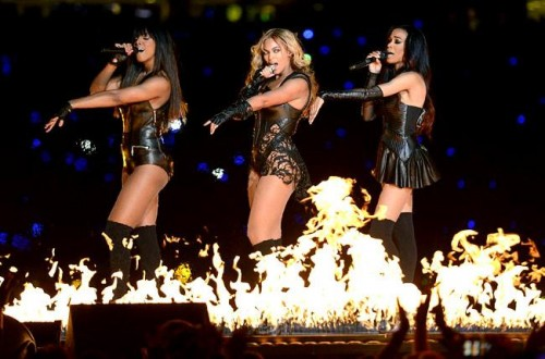 beyonce super bowl e1360019315320 Watch: Beyonce Dishes On Destinys Child Reunion On Extra