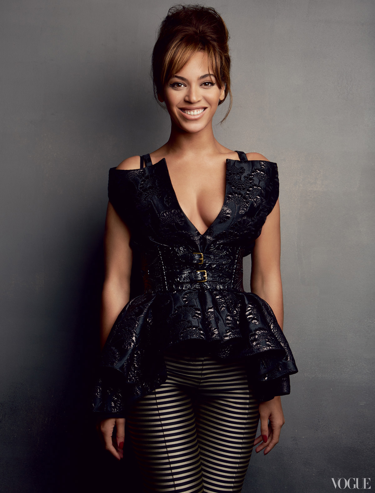 beyonce vogue 2013 3 Hot Shots: Beyonces Full Vogue Shoot Unveiled