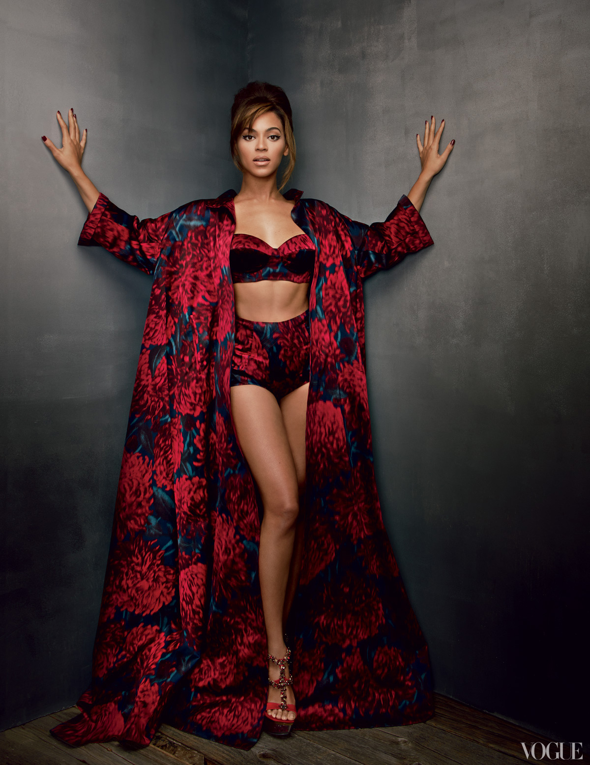 beyonce vogue 2013 4 Hot Shots: Beyonces Full Vogue Shoot Unveiled