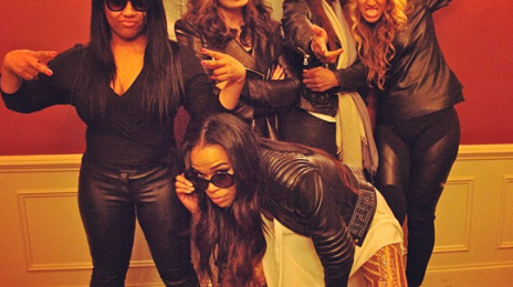 Hot Shot: Destiny's Child Pose It Up With Tina Beyince + More Backstage Super Bowl Pics