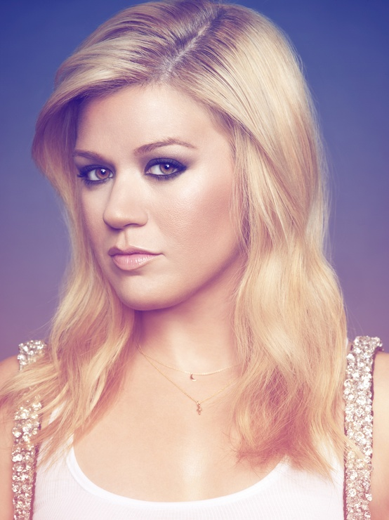 Kelly Clarkson To Perform At 55th Annual Grammy Awards