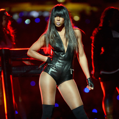 kelly rowland super bowl Kisses Down Low: Kelly Rowland Enjoys Super Bowl Sales Spike