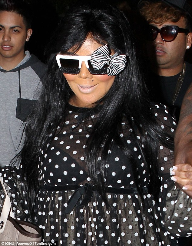 Hot Shots: Lil Kim Hits LA For NAACP Awards / Dines With Lil Mama