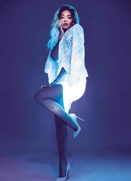 rita ora es 2013 Stunning: Rita Ora Glows For E.S