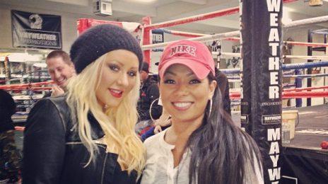 Hot Shot: Christina Aguilera Hits The Gym