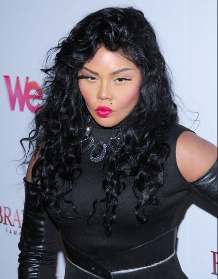 LIL KIM THAT GRAPE JUICE Lil Kim Gets Into Car Accident Amid Rising Legal Drama