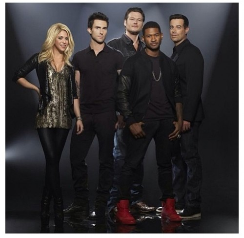 The Voice Season 4 usher shakira e1364318809817 Watch: Usher & Shakira Perform Come Together On The Voice