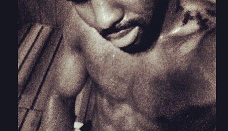 Hot Shots: Jason Derulo Sizzles In Sauna