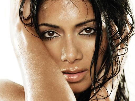 nicole scherzinger that grape juice Nicole Scherinzger Soars With Boomerang / Nabs 4th Top Ten Single & Gold Certification