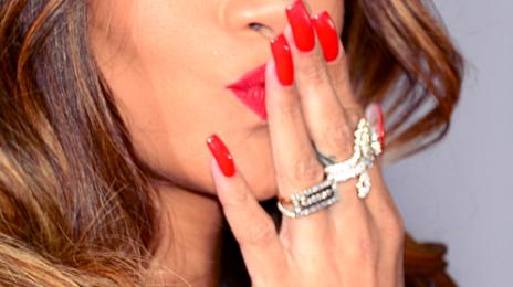 Watch: Rihanna Lip Syncs 'Pour It Up' On 'Diamonds World Tour'
