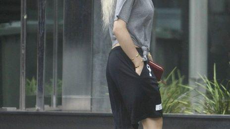 Hot Shots: Rita Ora Sports Pyrex In Perth