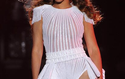 Showtime: Beyonce Stuns At 'The Mrs. Carter Show' Opener In Serbia (Pics & Videos)