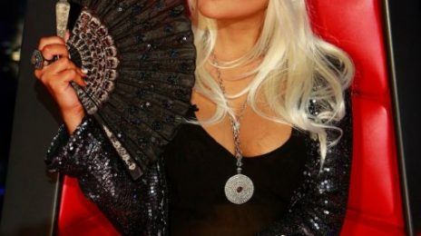 "Christina Aguilera Declares ""Love"" For Rihanna"
