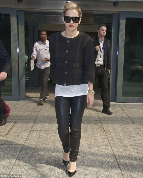 rita ora 2013 1 e1367143762649 Hot Shots: Rita Ora Heats Up Heathrow