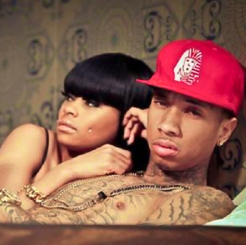 TYGA BLAC CHYNA THAT GRAPE JUICE Watch: Tyga Performs For The Road Live At Hotel California