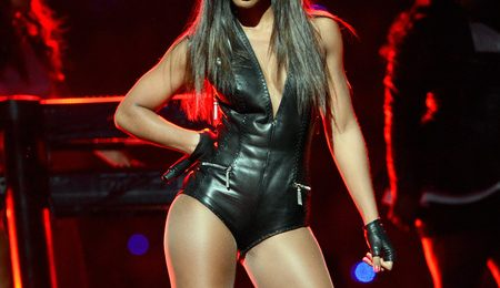 Watch: Kelly Rowland Performs 'Motivation' On 'Lights Out Tour' (New York Stop)