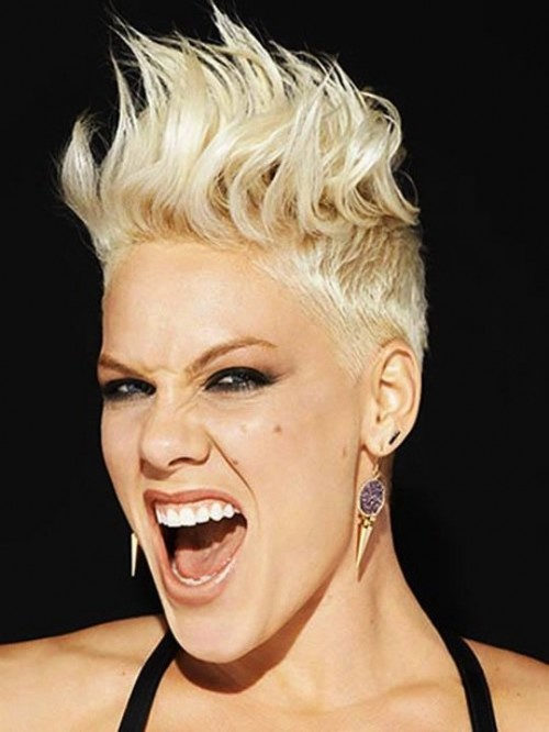 Pink Apologises To Fans / Slams Critics In Open Letter Following Tour Date Cancellation