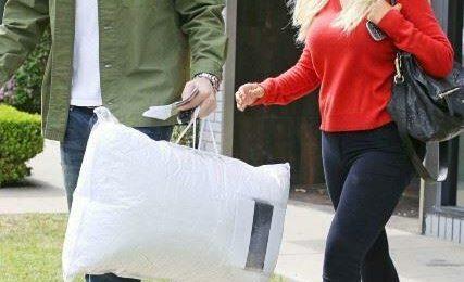Hot Shots: Christina Aguilera Flaunts Slim-Line Physique In LA