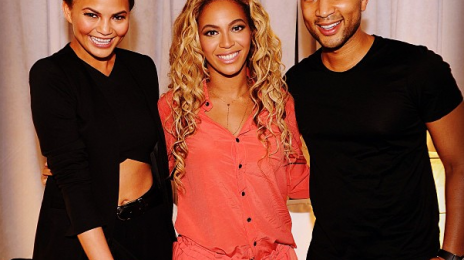 Hot Shots: Beyonce & John Legend Strike A Pose In Vegas