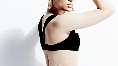 Watch: Jessie J 'Chimes For Change' With Stellar Stage Show