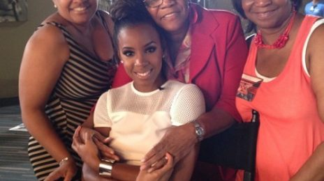Kelly Rowland Cosies Up With Mom & Aunts At 'X Factor' / Beyonce Shares 'Talk A Good Game' Excitement