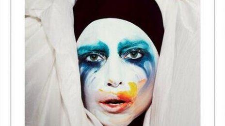 Lady GaGa Unwraps 'Applause' Single Cover
