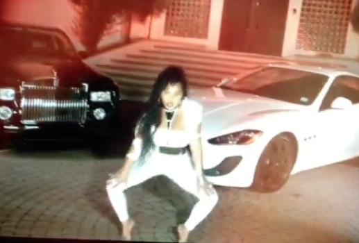 lil kim looks like money2 thatgrapejuice Preview: Lil Kim Look Like Money Video
