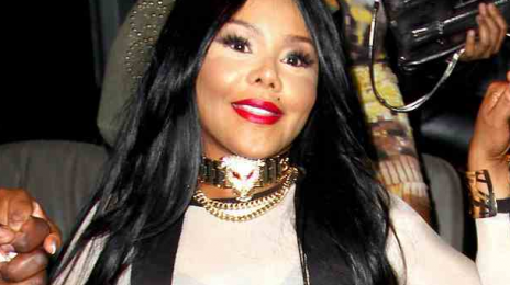 Lil Kim Cancels London Lovebox Show 30 Minutes After Showtime / Fans Enraged