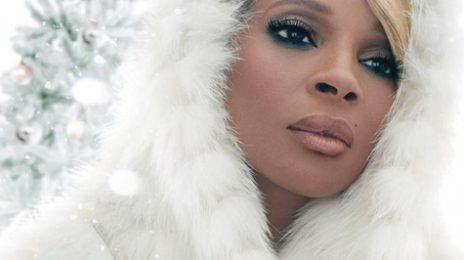 Hot Shot:  Mary J. Blige Brings In Holiday Early With 'A Mary Christmas'