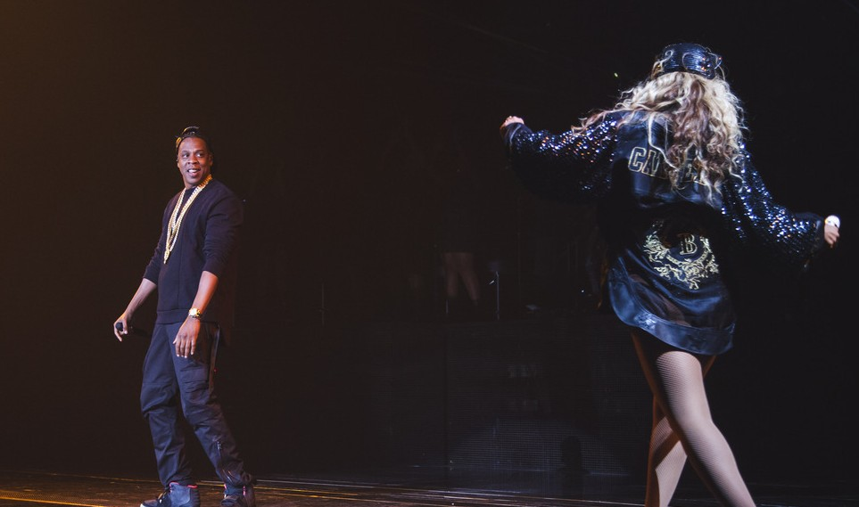 beyonce jay brooklyn e1375784694681 Watch: Beyonce Performs Bow Down In Brooklyn / Brings Out Jay Z For Tom Ford