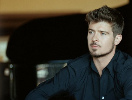 robin thicke that grape juice Robin Thicke Files Lawsuit Against Marvin Gaye Family Following Blurred Lines Drama