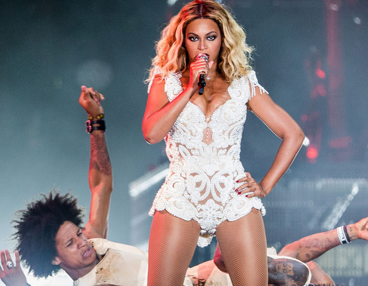 Watch Beyonce Performs Naughty Girl Amp Party Live In