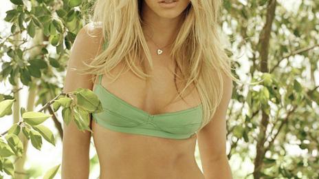 Lyrics: Britney Spears - 'Work B*tch'