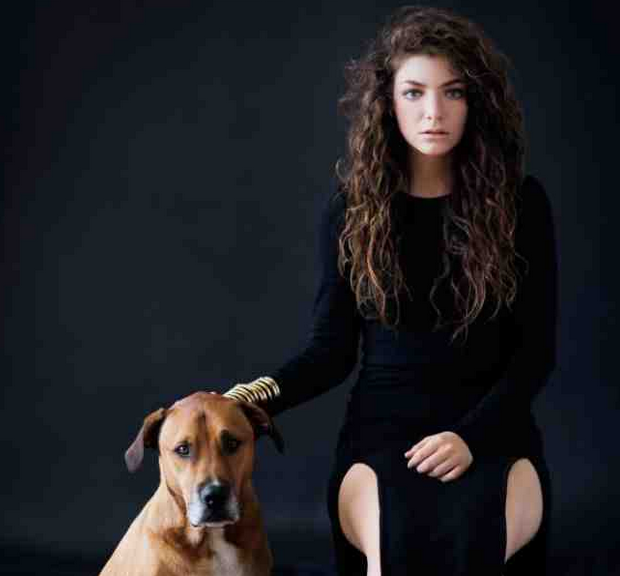 lorde that grape juice Watch: Lorde Performs Royals Live On Later...With Jools Holland