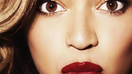 Hot Shots: Beyonce Freefalls In New Zealand