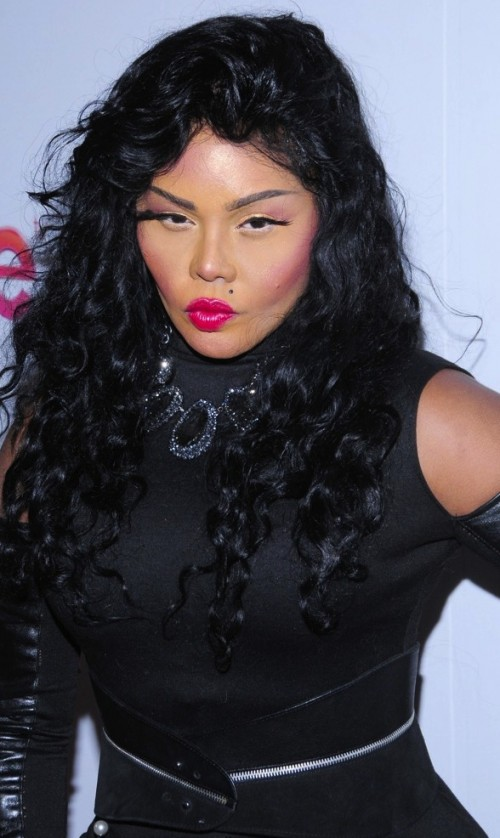 lil kim mixtape e1383182349287 Lil Kim Delays New Mixtape One Day Before Release / Sets Black Friday Arrival