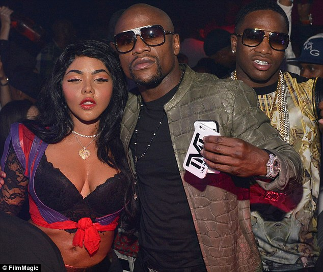 lil kim tgj that grape juice Hot Shots: Lil Kim Joins Diddy For BET Hip Hop Awards Celebration