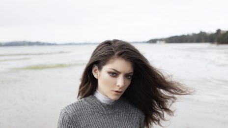 Must See: Lorde Performs 'Royals' Live On 'Good Morning America'