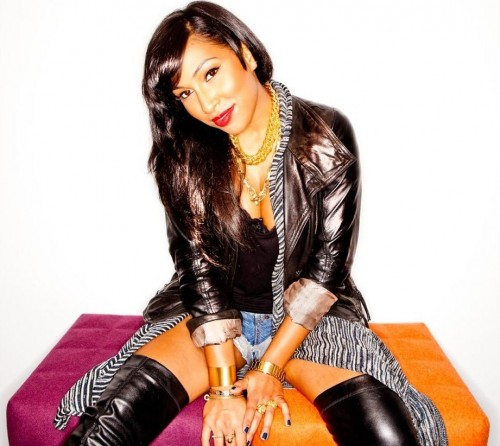 melanie fiona 2013 e1382526736742 Melanie Fiona Leaves Label; Teams With Pepsi & Complex For Indie Project