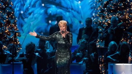 Watch:  Mary J. Blige Brings In The Holiday Season At 'HSN', 'The Grove', & 'Country Christmas'