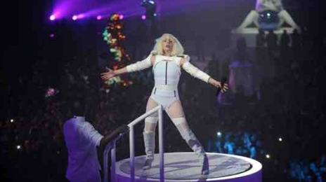 Must See: Lady GaGa Performs 'Do What U Want' Live At #VEVOArtRave
