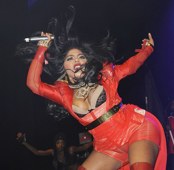 lil kim she is diva that grape juice4 Watch: Lil Kim Rocks London With Musicalize Stage Show
