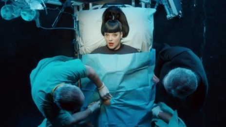 New Video: Lily Allen - 'Hard Out Here'