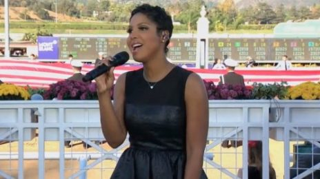 Watch: Toni Braxton Performs US National Anthem At Breeders Cup 2013