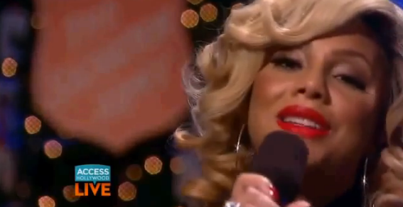 Screen shot 2013 12 04 at 9.48.44 PM Watch:  Tamar Braxton Brings Silent Night To Access Hollywood